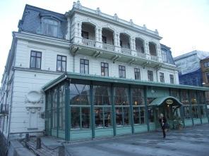 Palacehuset, västra fasaden (foto: Antiquum)